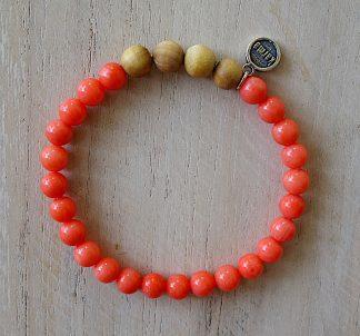 ručně vyrobený náramek Růžový korál a Santalové dřevo 6 mm