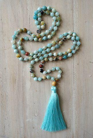 meditační mala Amazonit barevný a Santalové dřevo s tyrkysovým střapcem