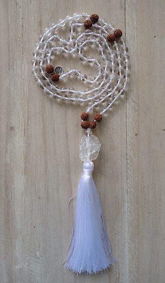 ručně vyrobená meditační mala Křišťál a Rudraksha