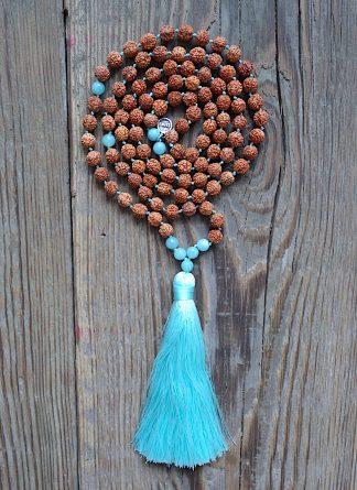 ručně vyrobená meditační mala Rudraksha a Amazonit