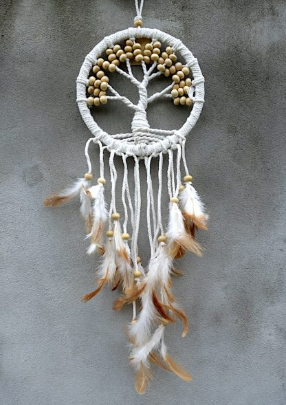 ručně vyrobený lapač snů se stromem života bílé korálky 50 cm