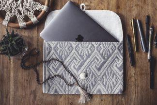 ručně tkaná taška Grey 11″ na notebook