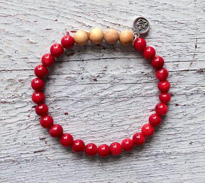 ručně vyrobený náramek Červený korál a Santalové dřevo 6 mm