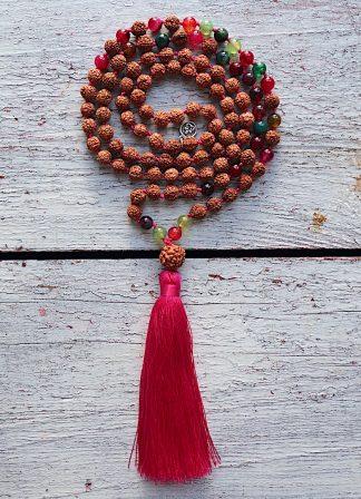 ručně vyrobená meditační mala Rudraksha a Turmalín