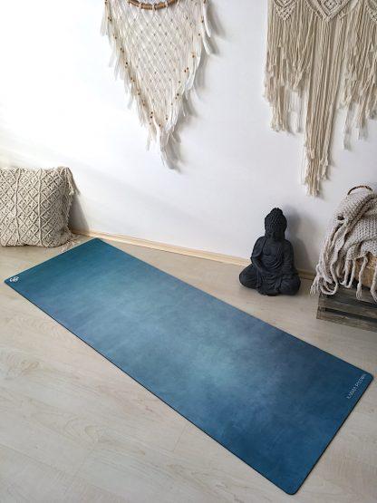 protiskluzová jógová podložka Green Bay na podlaze v bytě