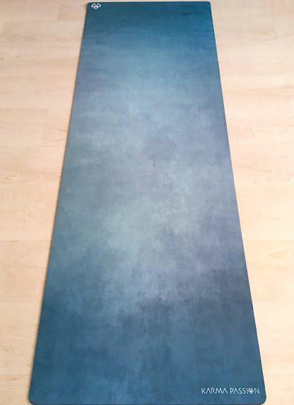 protiskluzová jógová podložka Green Bay na podlaze
