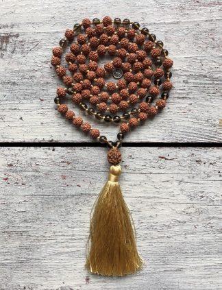 ručně vyrobená meditační mala Rudraksha a Kouřový křišťál