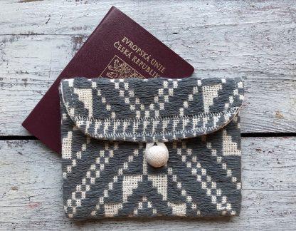 ručně tkaná taštička na pas Intention z bavlněné příze