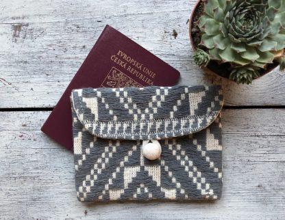 ručně tkaná taštička na pas Intention z Laosu
