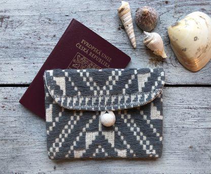 ručně tkané pouzdro na pas Intention z bavlněné příze