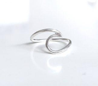 stříbrný prsten Wave matný ze stříbra o ryzosti Ag925 detail