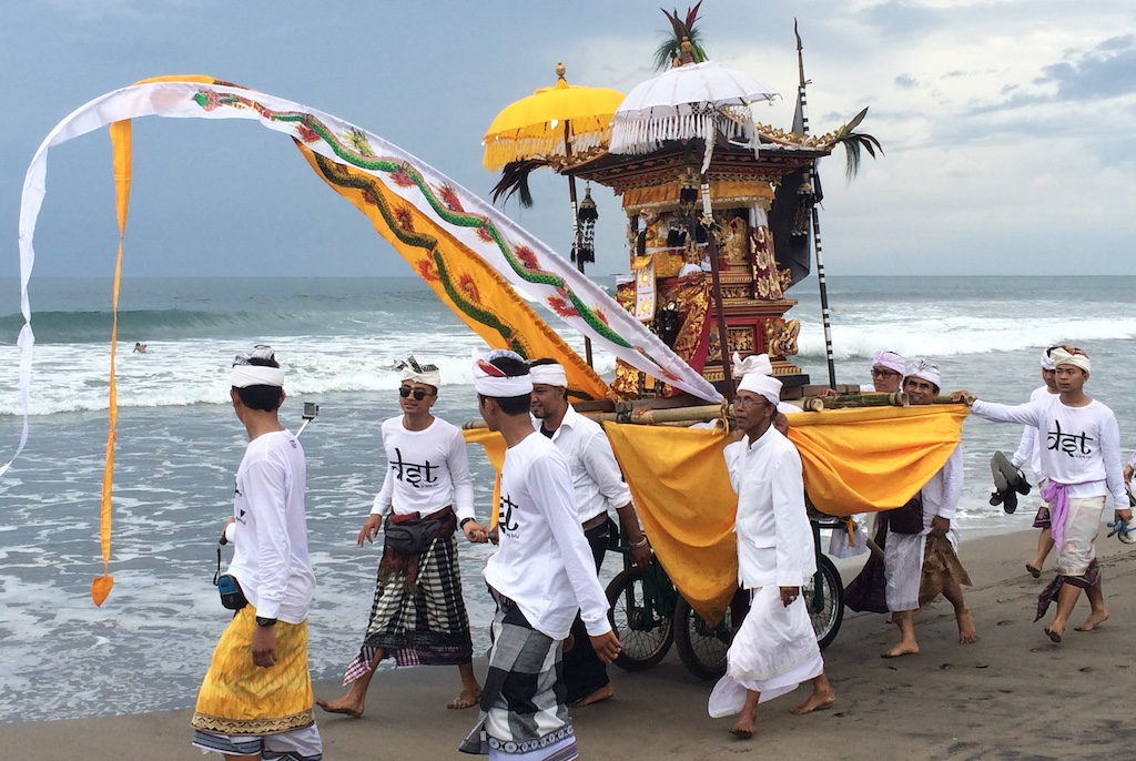 Bali - Melasti ceremonie