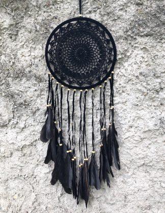 ručně vyrobený lapač snů černý s korálkama 80 cm