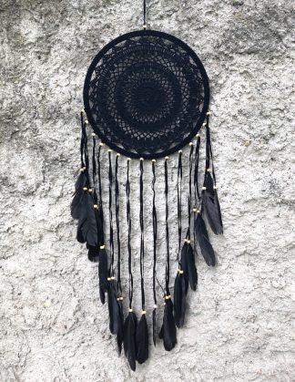 ručně vyrobený lapač snů černý s korálkama 100 cm