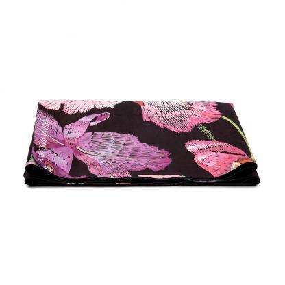 cestovní protiskluzová jógová podložka Japanies Garden složená jako ručník