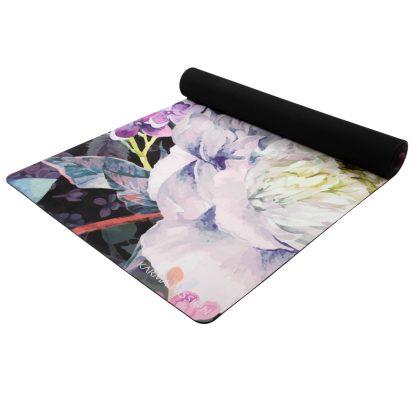 jógamatka Meadow vyrobená z přírodního kaučuku v kombinaci se savým mikrovláknovým ručníkem