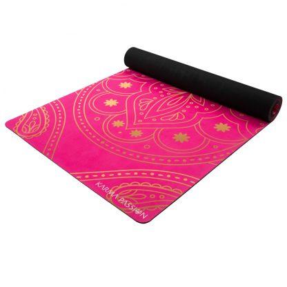 jógamatka Hamsa lila vyrobená z přírodního kaučuku v kombinaci se savým mikrovláknovým ručníkem