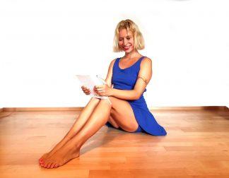 jógové šaty a kraťásky modré navržené Juditou Berkovou